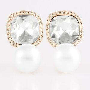 💍 5 for $25 sale! 💍 Gold Clip-on Earrings